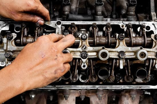 Will Thicker Oil Stop Engine Knocking?
