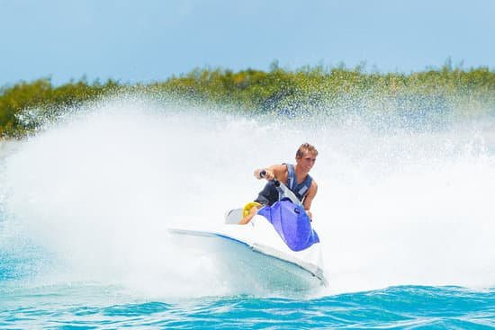 What Type Of Engine Does A Personal Watercraft Have?