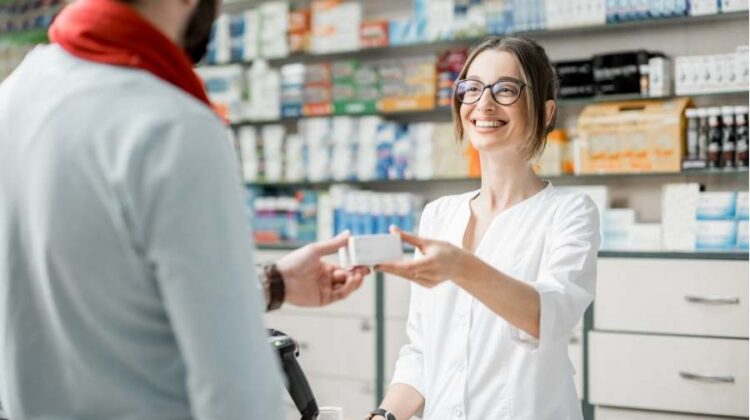 How To Become a Pharmacy Technician Without Going To School?